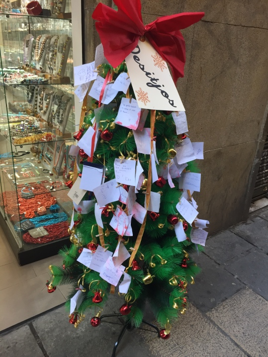Many shops had these little Christmas trees outside where you could write a message